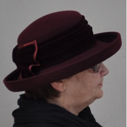 Červený luxusní dámský klobouk Anytra 87094